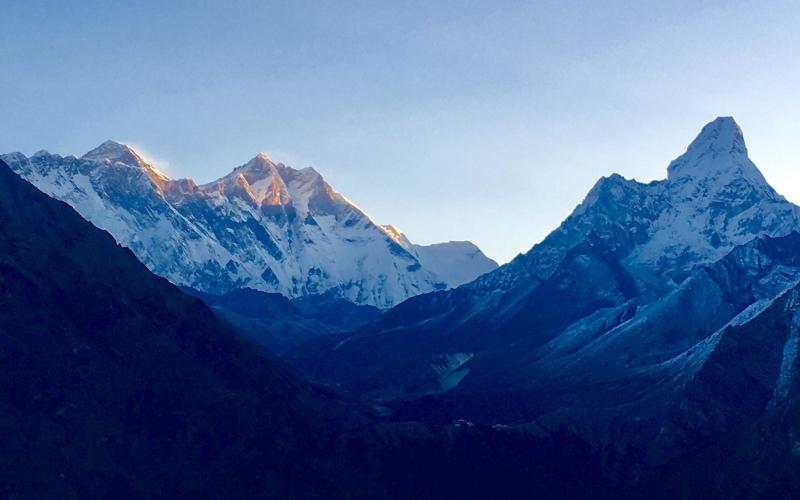 Everest @ Sunrise